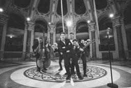 Piacenti e Dolcevita Orchestra
